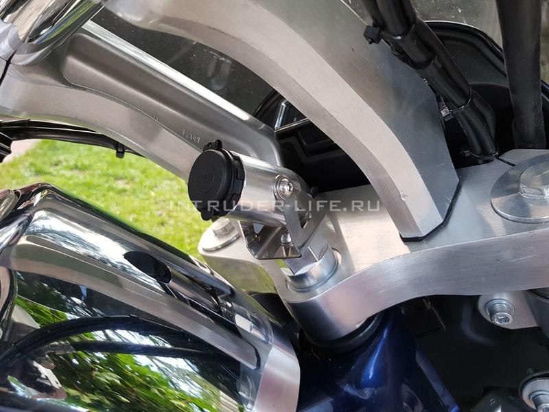 Специальный USB-зарядник для мотоциклов Suzuki Boulevard / Intruder